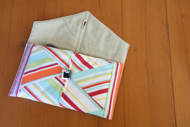rainbow clutch - open